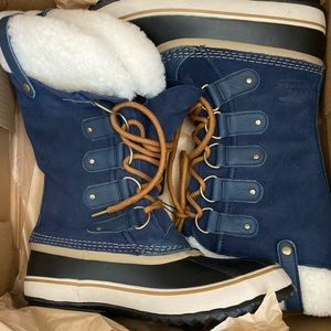 Brand new in box Sorel Joan Of Arctic Shearling